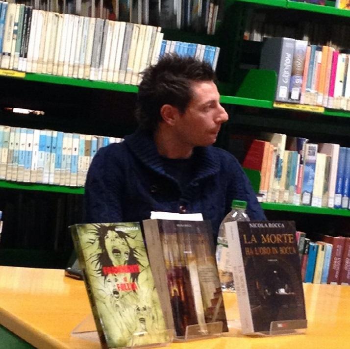 """""""La morte ha l'oro in bocca"""" di Nicola Rocca: un nuovo cupo ed avvincente giallo da svelare"""