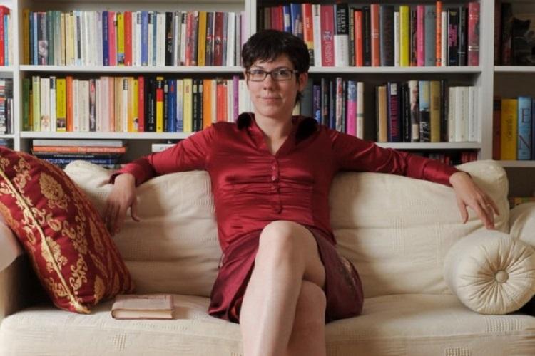 """""""Una piccola libreria a Parigi"""" di Nina George: un romanzo sul potere terapeutico che hanno i libri"""