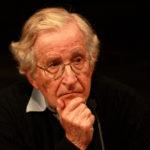 """""""Le strutture della sintassi"""" di Noam Chomsky: un'analogia fra la struttura sintattica di una lingua e la fisica delle particelle"""