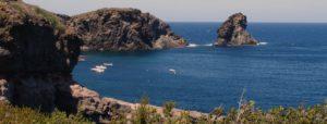 Pantelleria - Punta Tracino e il Faraglione