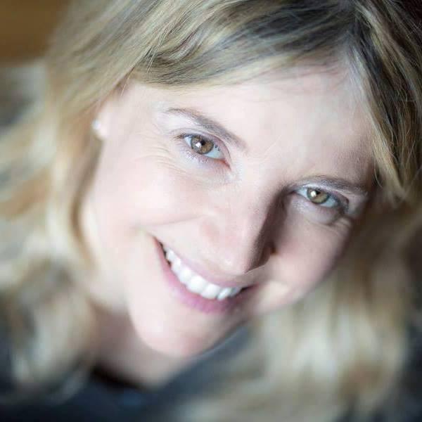 Donne contro il Femminicidio #35: le parole che cambiano il mondo con Paola Minussi