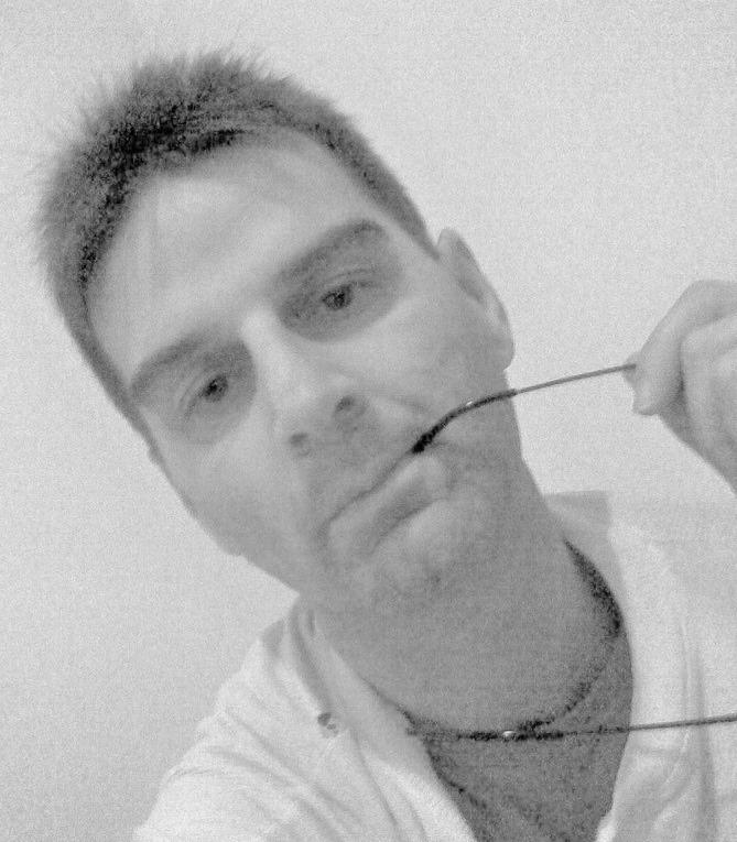 """Intervista di Alessia Mocci a Paoletto Sassaroli, autore del libro """"Nell'arcobaleno del bianco e nero"""""""