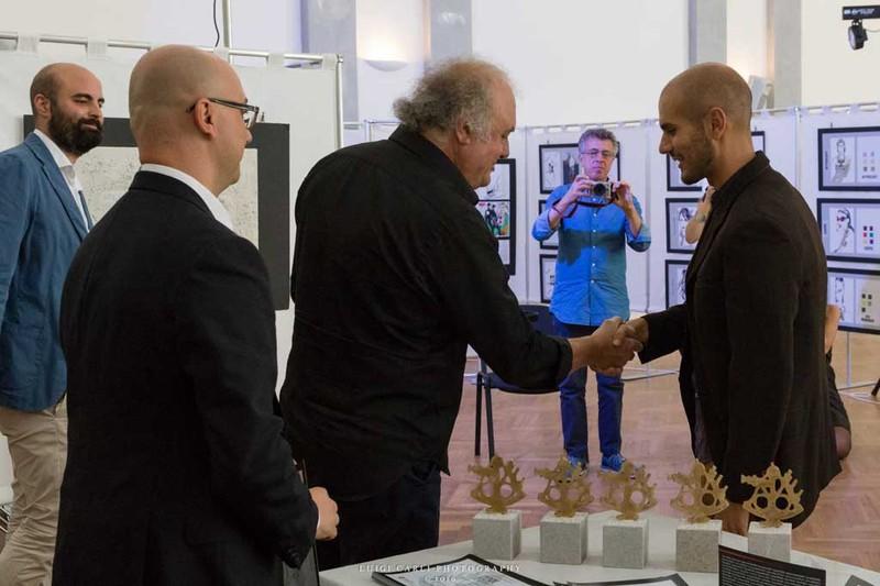 """""""Faster than you!"""" opera di Fabio Costantino Macis: vincitrice del Premio Internazionale d'Arte Contemporanea Lynx"""