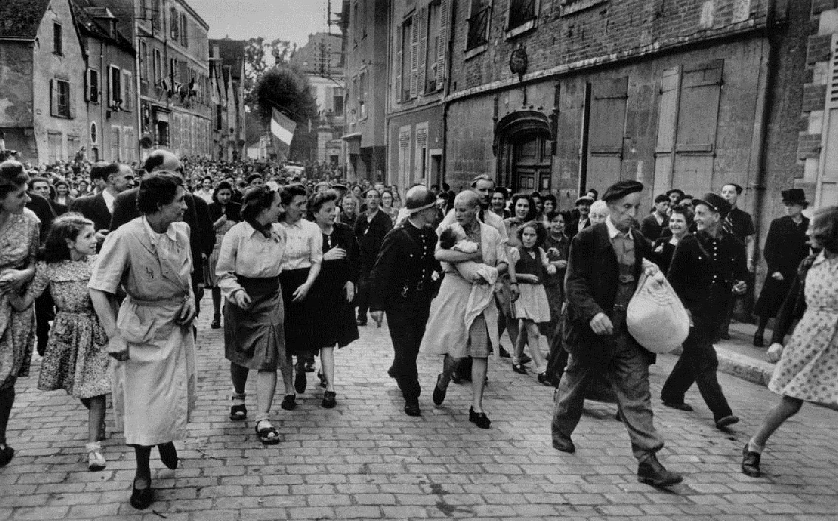 Robert Capa in Italia 1943-1944: un'esposizione sulla fine della guerra in mostra sino al 26 aprile, Milano