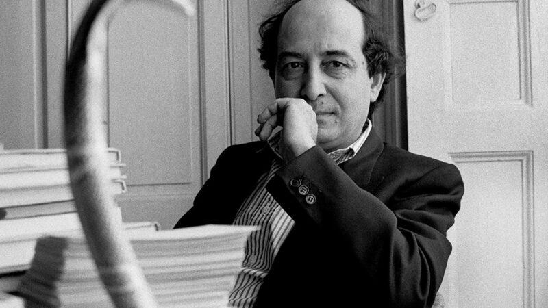 """""""Come ordinare una biblioteca"""" di Roberto Calasso: il libro esige un contatto fisico"""