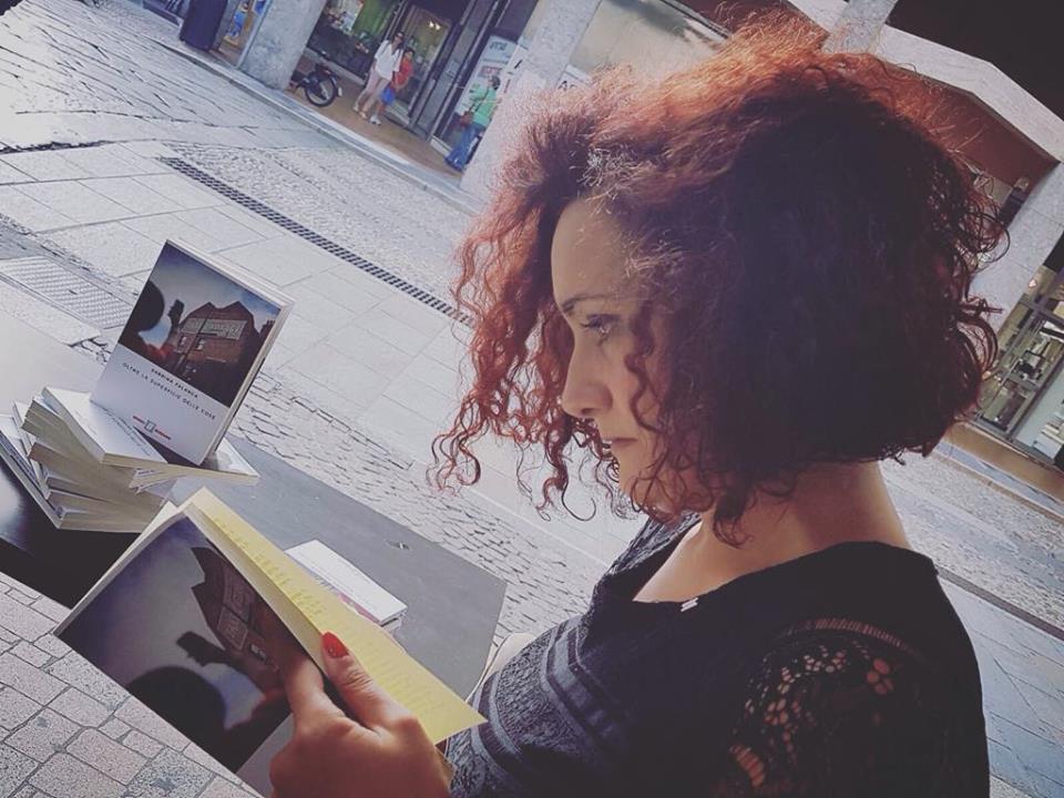 """Intervista di Rebecca Mais a Sabrina Falanga e al suo coraggioso """"Oltre la superficie delle cose"""""""