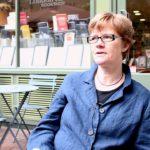 """""""Al caffè degli esistenzialisti"""" di Sarah Bakewell: un romanzo filosofico tra Heidegger e Sartre"""