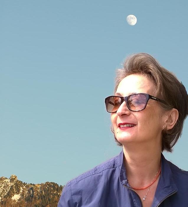 """Intervista di Emma Fenu a Silvia Lorusso Del Linz, autrice de """"Il segreto di Mirta"""", sul potere della femminilità"""