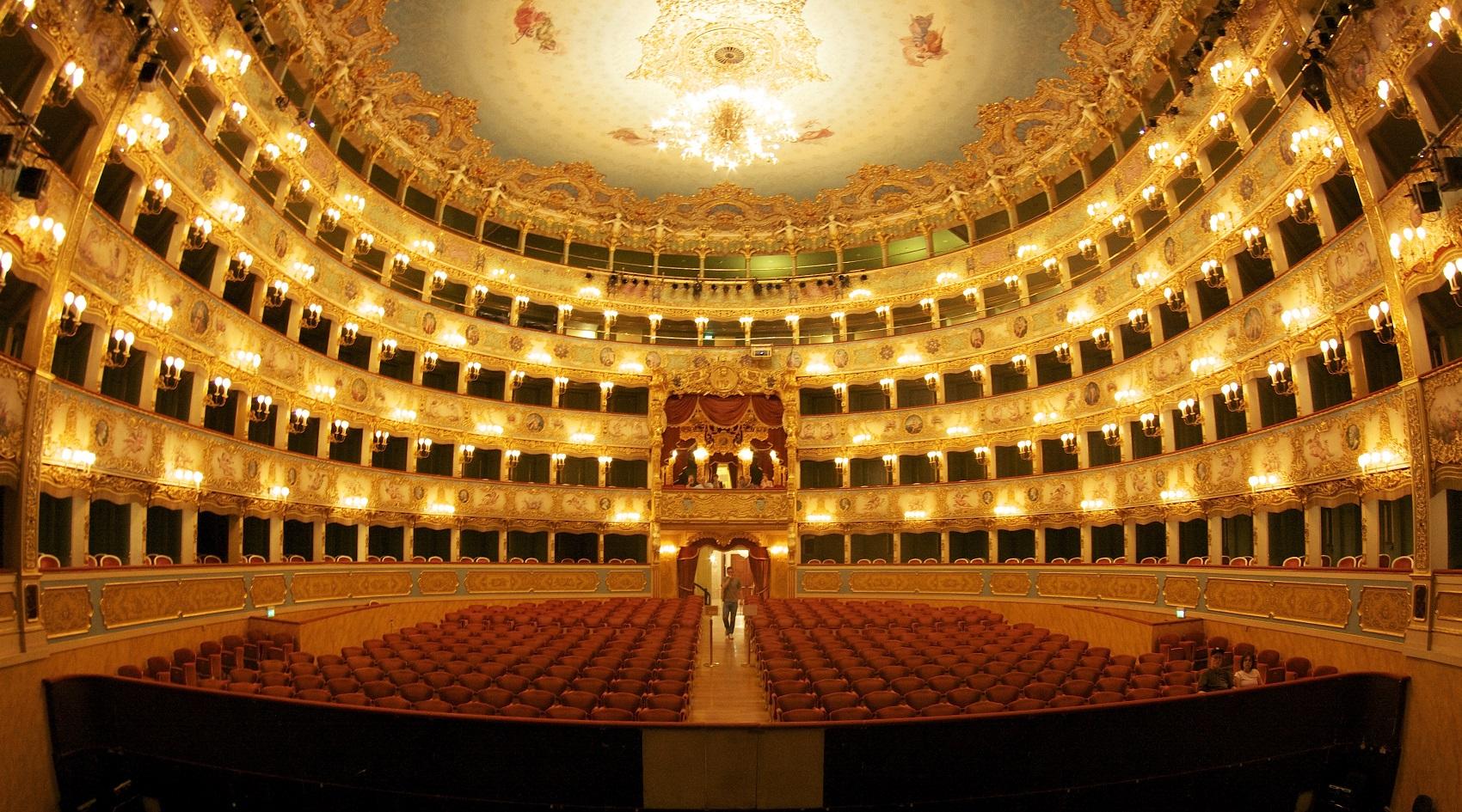 Carnevale al Teatro La Fenice: il calendario in programma a Venezia fino al martedì grasso