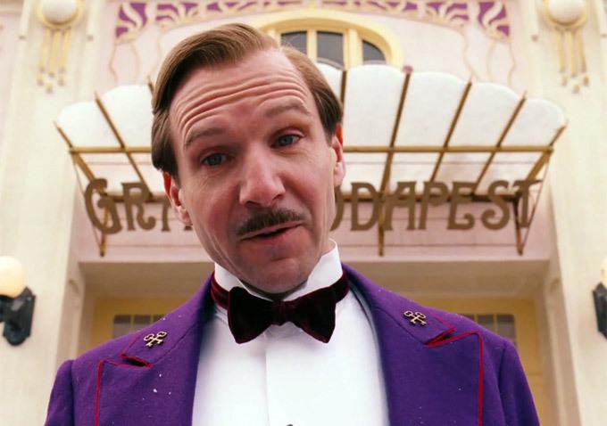 """""""The Grand Budapest Hotel"""" di Wes Anderson: il surrealismo nel capolavoro tratto dall'opera di Stefan Zweig"""