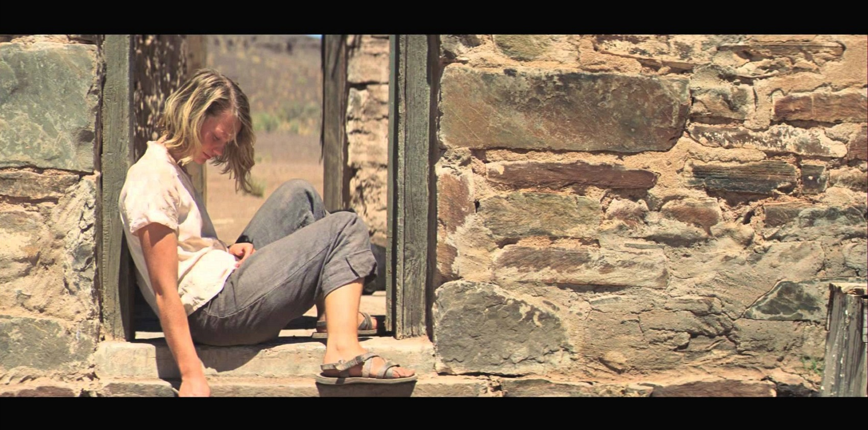 """""""Tracks – Attraverso il deserto"""" di John Curran: il film tratto dalla vera storia della signora dei cammelli"""