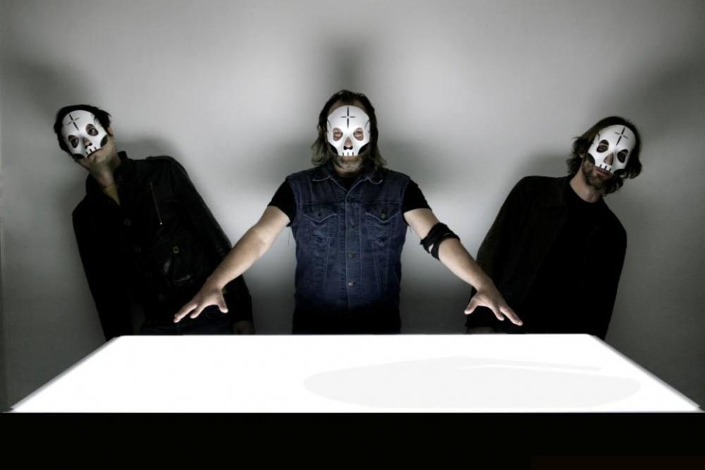 Tre Allegri Ragazzi Morti: l'8 ed il 9 agosto sono le due tappe sarde della band che festeggia i vent'anni