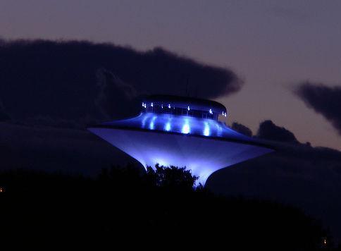 Invasione aliena del 5 aprile, dietro lo scherzo c'è molto di più: avvistato UFO in Italia