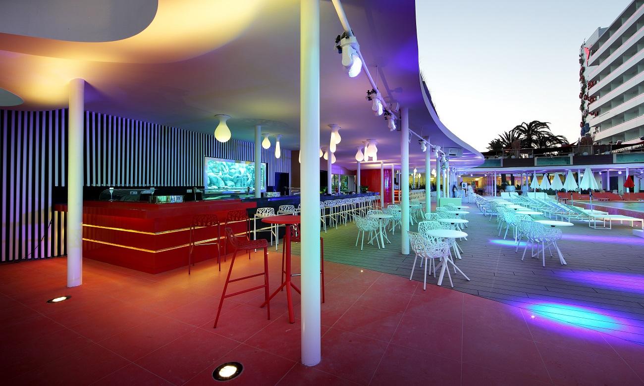 Armin Van Buuren e Hardwell: ogni martedì e giovedì i Resident Show all'Ushuaïa Ibiza Beach Hotel