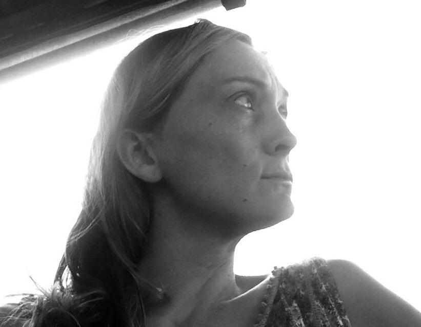 """""""Sari in cammino"""" di Valeria Fraschetti: ecco perché l'India non è (ancora) un paese per donne"""