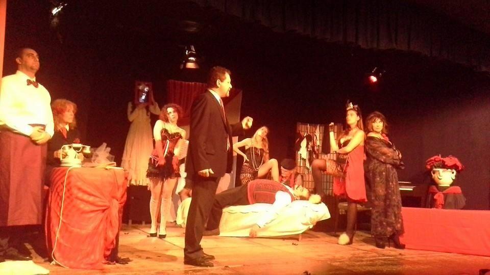 """""""A chi gioverebbe"""" di Enza Li Gioi: un palco di ben 12 attori ed un musicista al Teatro Le Salette, Roma"""