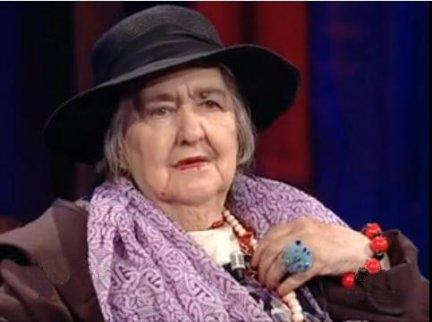Alda Merini e la sua poesia radicata nel vissuto: così nasce il divino dall'umano