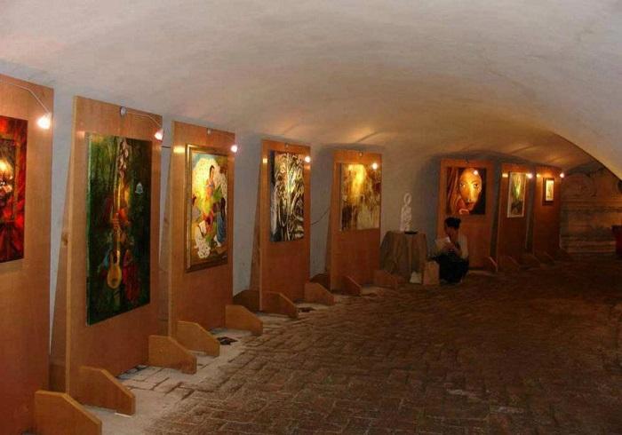 """""""Arte in Cripta"""", mostra collettiva d'arte contemporanea, dal 6 al 14 aprile 2013, Roma"""