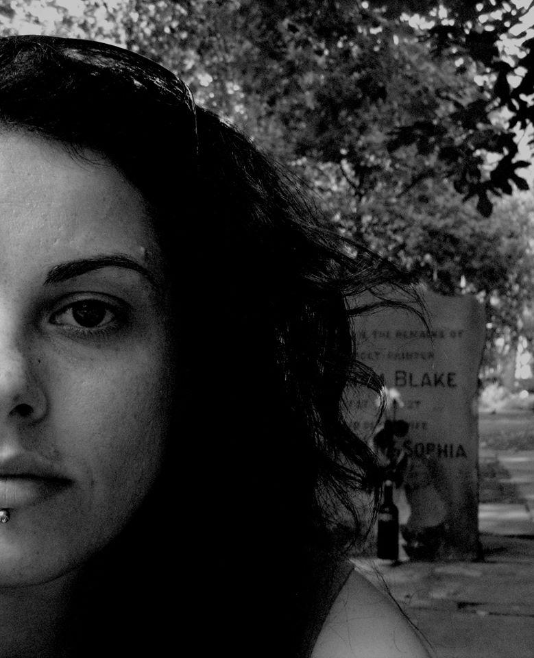 """""""Ultimo agosto per sempre"""" di Caterina Pomini: si parla di amore, di malattia, di dolore, di sofferenza"""