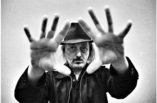 Cesare Basile rifiuta la Targa del Premio Tenco: il dissidio tra la cultura libera ed amministrata