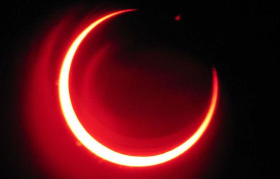 25 aprile: eclissi di luna parziale visibile anche dall'Italia
