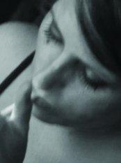 """""""Per tre lune"""", poesie di Elisabetta Maltese – recensione di Rita Pacilio"""
