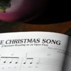 Natale non è Natale senza una bella canzone da canticchiare sotto l'albero: origini e tradizioni nel mondo