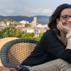 """""""L'amore a due passi"""" di Catena Fiorello: non è mai troppo tardi per innamorarsi e sconfiggere la solitudine"""