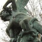 Il mistero dell'Angel Caido di Madrid: la statua di Lucifero si ispira al Paradiso Perduto di John Milton