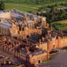 Hampton Court e le sue storie di fantasmi e crudeltà sulla regina Catherine Howard