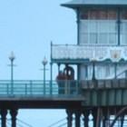 Il fantasma del molo in Inghilterra: in molti pensano sia un vecchio pescatore