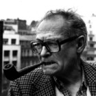 """""""Nestor Burma e la bambola"""" di Léo Malet: una lettura godibile dal ritmo serrato in cui non mancano colpi di scena"""