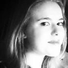 """""""Uno scrigno"""" di Maria Fusetti: raccolta di versi giovanili come fossero racchiusi in un forziere"""