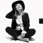 """Selfie & Told: la cantautrice Marian Trapassi racconta l'album """"Futuro"""""""