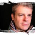 """""""Lo strano caso del cane ucciso a mezzanotte"""" di Mark Haddon: la sindrome di Asperger vi aprirà gli occhi"""