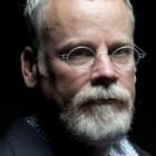 """""""Il dio della colpa"""" di Michael Connelly: tornano i fantasmi di un uomo dalla vita complicata"""