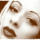 """""""Specchio nero"""" di Rosalba Vangelista: una raccolta di poesie malinconiche e per questo più vere"""