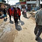 Nasce la Brigata Rossa: le donne pattugliano le strade dell'India per prevenire gli stupri