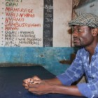 """""""Tresor and the Camp Musicians"""" di Neil Shaw: un rifugiato congolese in Malawi e la sua passione per la musica"""