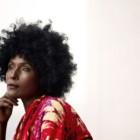 """""""Fiore del deserto. Storia di una donna"""" di Waris Dirie con Cathleen Miller: la fuga dalla famiglia e dal Paese"""