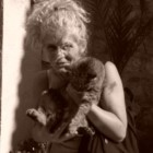 """""""Sussulta delirante il mio intimo di donna"""" di Giuliana Guzzon: l'immortalità dell'amore proclamato in poesia"""