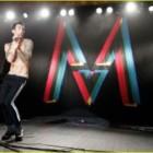 """""""Moves like Jagger"""":  il nuovo volto dei Maroon 5 e di Christina Aguilera. Il nuovo capitolo musicale di un mondo in lutto economico."""