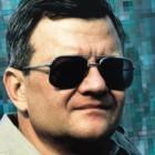 """Morto lo scrittore Tom Clancy, l'inventore del techno-thriller: ispirò il film """"Caccia a Ottobre rosso"""""""