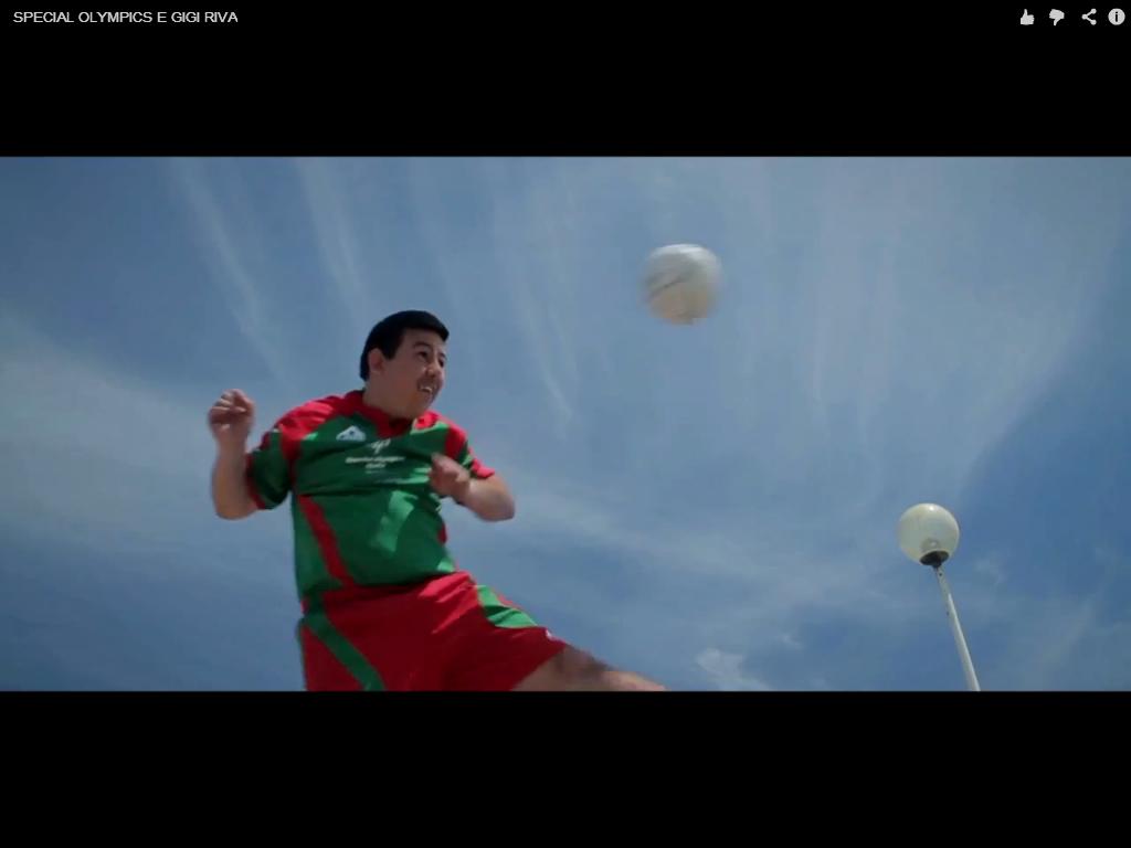 Special Olympic con Gigi Riva, la squadra di calcio a cinque del regista Jacopo Cullin
