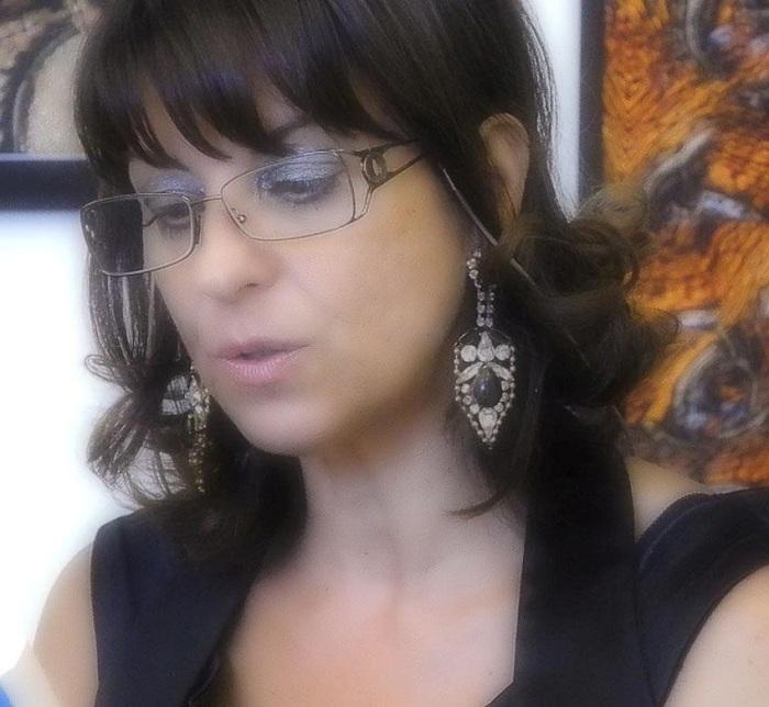 """Intervista di Rebecca Mais alla scrittrice Loredana Limone ed al suo """"Borgo Propizio"""""""