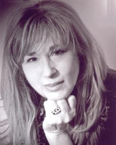 """""""La barca di piume (un viaggio d'amore e altre poesie)"""" di Maria Squeglia – recensione di Marzia Carocci"""