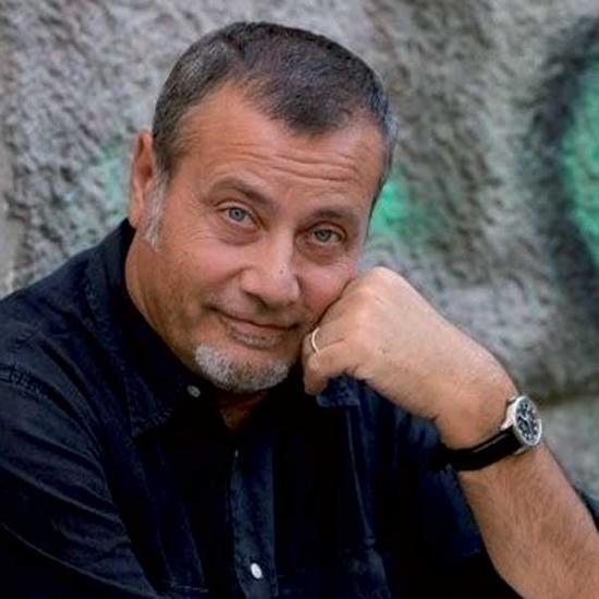 """""""Il mondo non mi deve nulla"""", ultimo irriverente romanzo di Massimo Carlotto: una coppia anomala"""