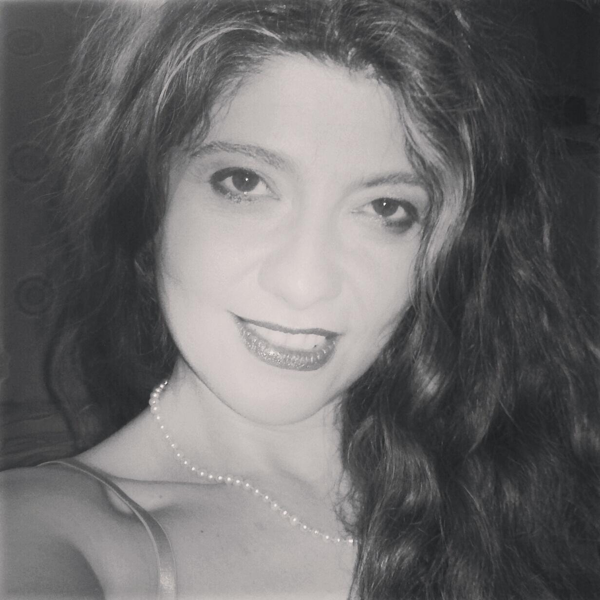 """Miriam Caputo racconta il suo esordio in editoria con """"La ragazza dagli occhi grandi"""""""