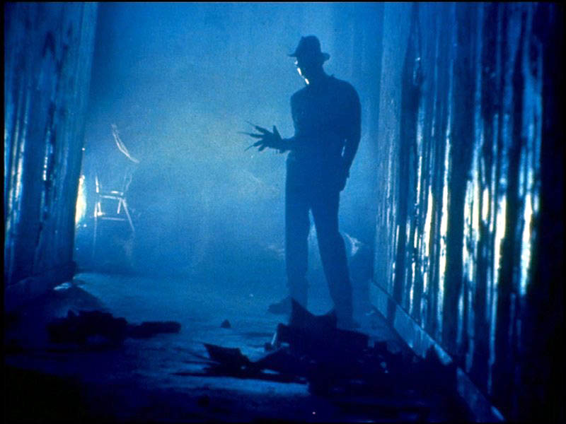 """""""Nightmare"""", film di Wes Craven: il celebre Freddy Krueger con il suo guanto munito di lame"""