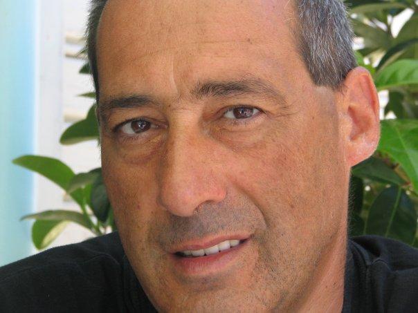 """Intervista di Michela Zanarella ad Oliviero Angelo Fuina, autore del libro """"Orme sull'acqua"""""""